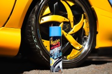 Přípravek pro lesk pneumatik